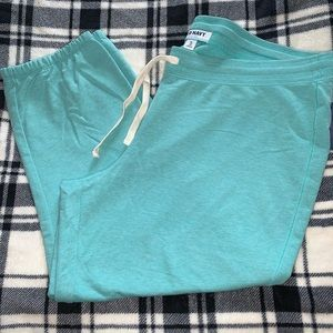 Old Navy skinny crops size XL